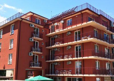 Хотел 3