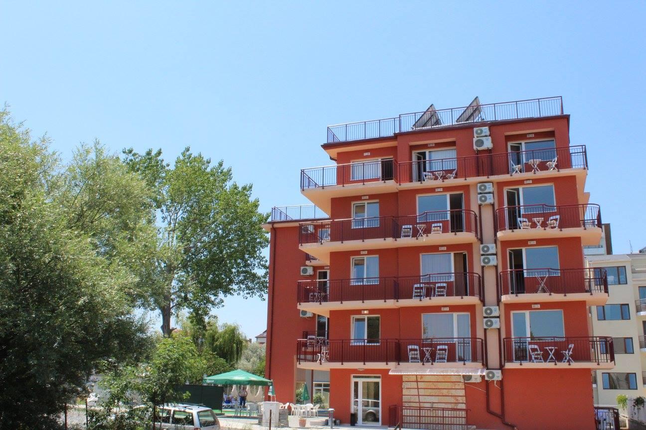 Хотел 2